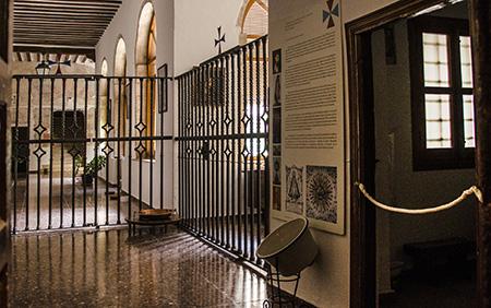 Toboso_Trinitarias_Convento_Claustro_01