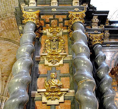 01_Sigüenza_Catedral_El_Trascoro_es_un_elemento_Singular_del_Barroco_en_Guadalajara