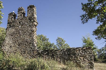 restos_de_la_antigua_iglesia_romanica_de_palancares